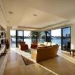 Villa-di-lusso-living-room-seafarer-residence-in-australia